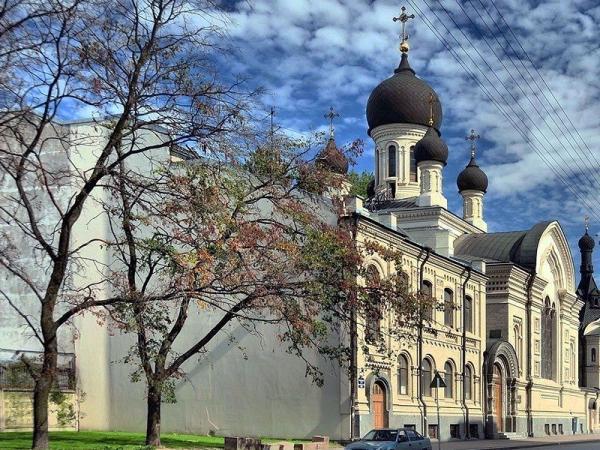 Подворье в Петербурге